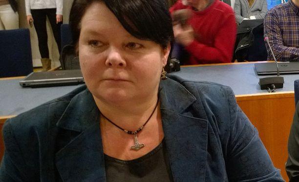Perussuomalaisten Terhi Kiemunki on tuomittu sakkoihin kiihottamisesta kansanryhmää vastaan.