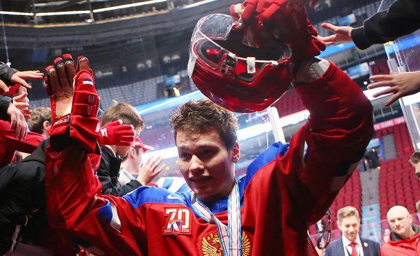 Mihail Sergatshjov pokkasi pronssia viime talven juniorien MM-kisoista.