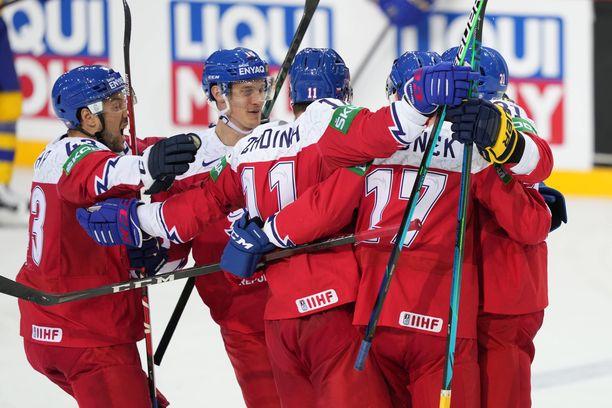 Tshekki juhli Slovakiaa vastaan avauserässä kaksi kertaa.