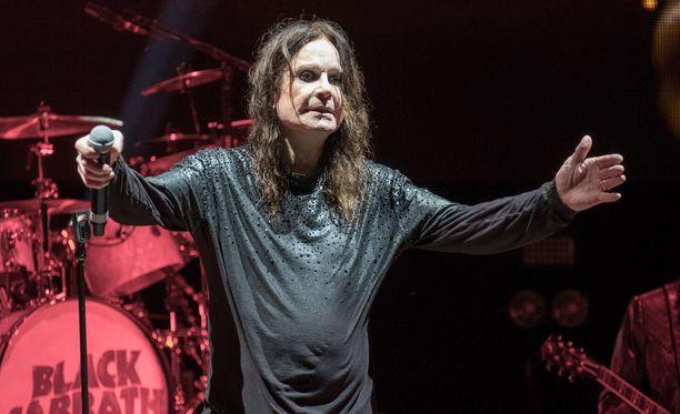 Heavymetallin pioneeriyhtye Black Sabbath on soittanut jäähyväiskonserttinsa kotikaupungissaan Britannian Birminghamissa. Kuva on The End -kiertueen keikalta Yhdysvaltain Illinois'sta.