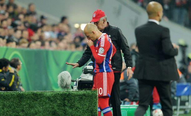 Arjen Robbenin kausi päättyi loukkaantumiseen.