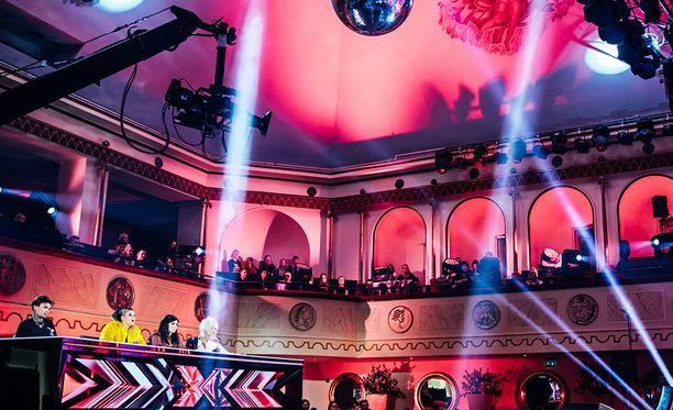 Mies osallistui X Factorin koelauluihin.