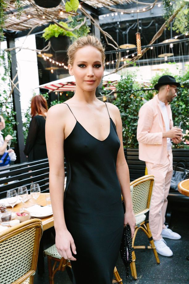 Angelina Jolie suihin kuvia