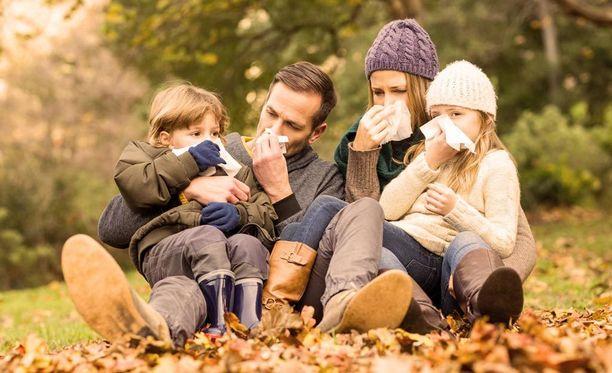 Lääkäri voi kotikäynnillä perehtyä vaikka koko perheen terveystilanteeseen.