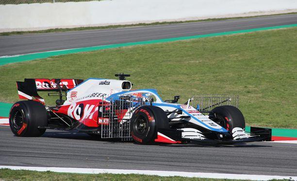George Russell saattaa päästä tänä vuonna kilpailemaan muita F1-autoja vastaan.