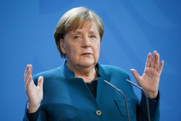 Angela Merkel on myös koronakaranteenissa