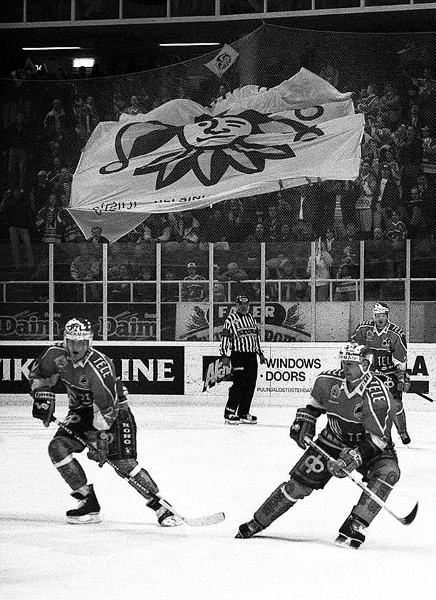 Petri Variksella ja Otakar Janeckylla oli yhtenä keväänä erikoinen playoff-ajan treeni. Tuloksena oli historiallinen ja edelleen puhuttava osuma.