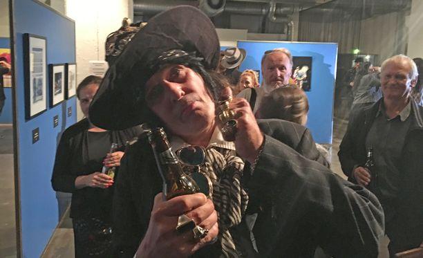 Hanoi Rocksin uudelleen herätteleminenkään ei Andyn mukaan täysin poissuljettu juttu.