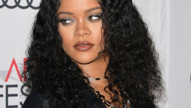 Rihanna toivoo, että ihmisillä riittää malttia odottaa äänestystuloksia.