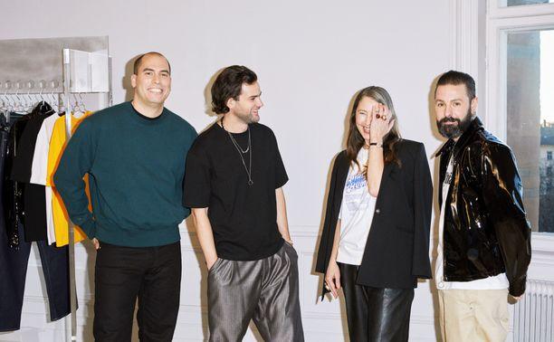 Eytysin perustajat Jonathan Hirschfeld ja Max Schiller sekä H&M:n luova johtaja Ann-Sofie Johansson ja johtava miestenvaatesuunnittelija Ross Lydon.