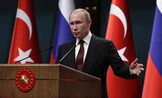 Venäjän presidentti Vladimir Putin on vierailulla Turkin Ankarassa.