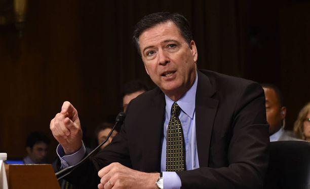 FBI:n ex-johtaja James Comey todistaa julkisesti Yhdysvaltain senaatin tiedustelukomitean edessä, komitean johto ilmotti perjantaina.