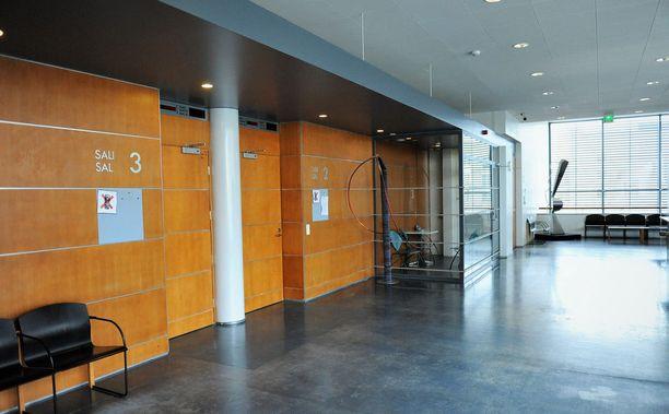 Oikeutta asiassa käytiin suljettujen ovien takana. Arkistokuva Vaasan oikeustalosta.