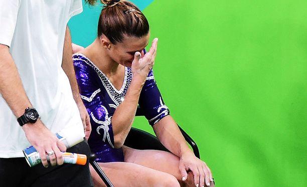 Barbosa poistui areenalta kyyneleet silmissä.