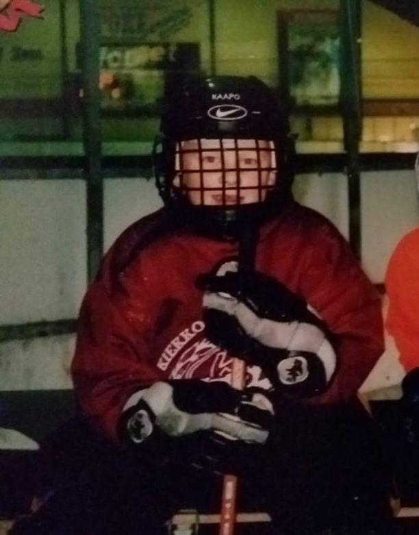 Kaapo Kakko aloitti jääkiekkouransa noin 5-vuotiaana Kiekko-67:n riveissä.