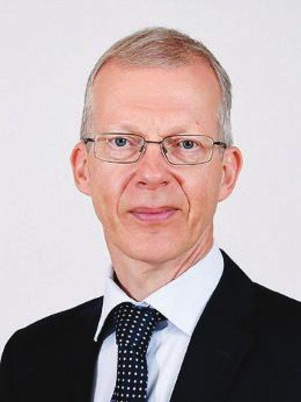 Eduskunnan apulaispääsihteerin Timo Tuovisen mukaan Väyrysen paluu eduskuntaan vaatii vielä selvittelyä.