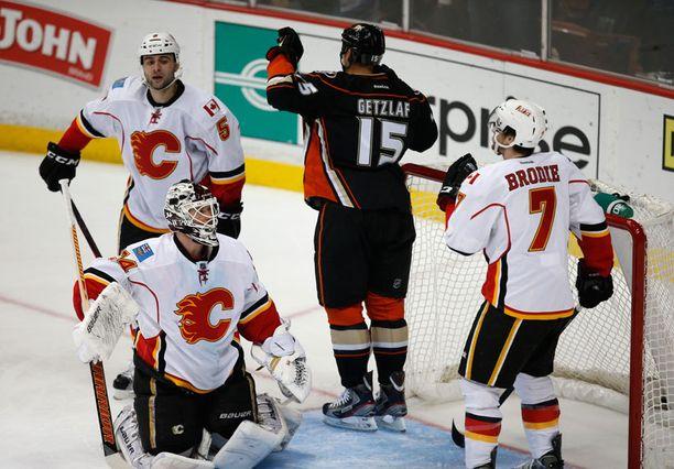 Ryan Getzlaf teki Calgary-ottelun viimeisen maalin.