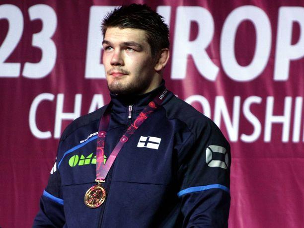 Arvi Savolainen pokkasi EM-kultaa Serbiassa.