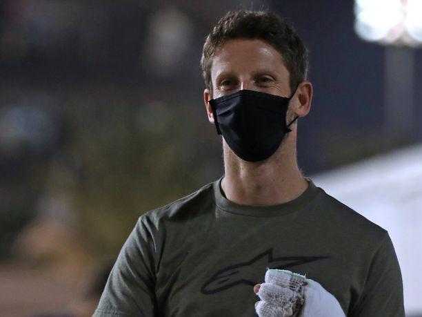 Romain Grosjeanilla kävi onni onnettomuudessa.