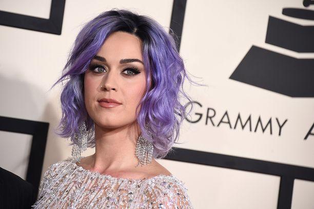 Katy Perry tuli vuosien varrella hyvin läheiseksi meikkaajansa kanssa.