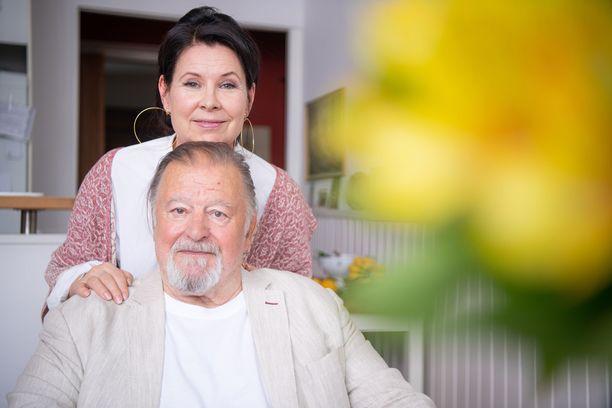 Esko Salminen ja Aino Seppo ovat viihtyneet yhdessä 32 vuotta.