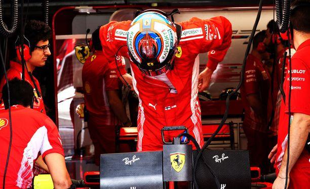 Kimi Räikkönen käänsi katseet sunnuntain kisaan heti aika-ajojen jälkeen.