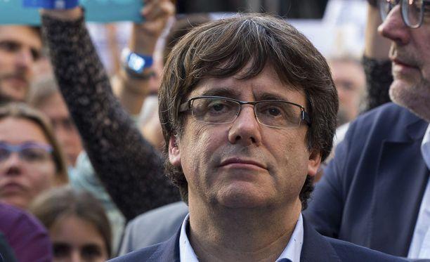 Carles Puigdemont kritisoi Espanjan hallitusta kovin sanoin.