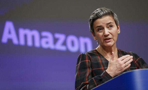 Komissaari Margrethe Vestager arvosteli kovasanaisesti teknologiajätti Amazonin toimintaa.