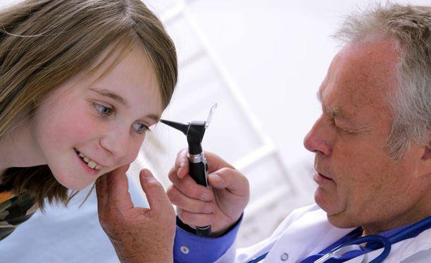 Tutkimuksen mukaan 80 prosenttia lapsista paranee korvatulehduksesta kolmessa päivässä ilman lääkitystä.