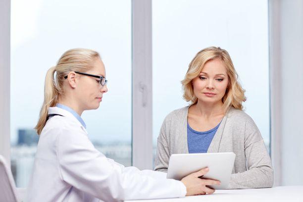 Munasolun luovuttaja saa ennen prosessia keskustella aiheesta lääkärin ja psykologin kanssa. Kuvituskuva
