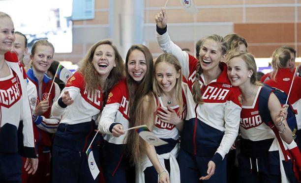 Venäläisurheilijat läksivät Brasiliaan torstaina.