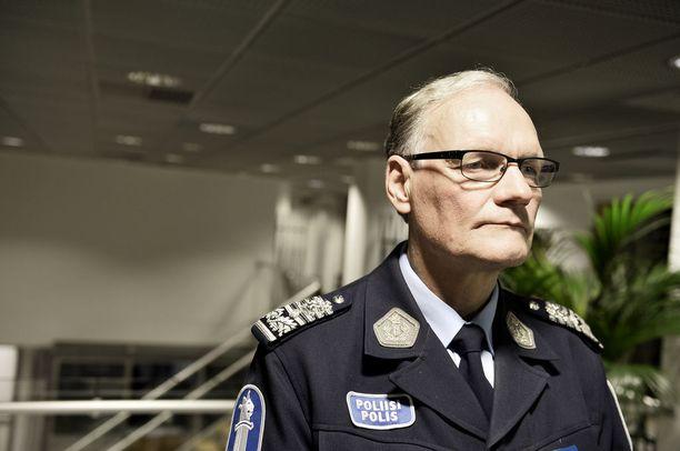 Entinen poliisiylijohtaja Mikko Paatero ei halunnut kommentoida Iltalehdelle rikosepäilyjä esitutkinnan ollessa kesken.
