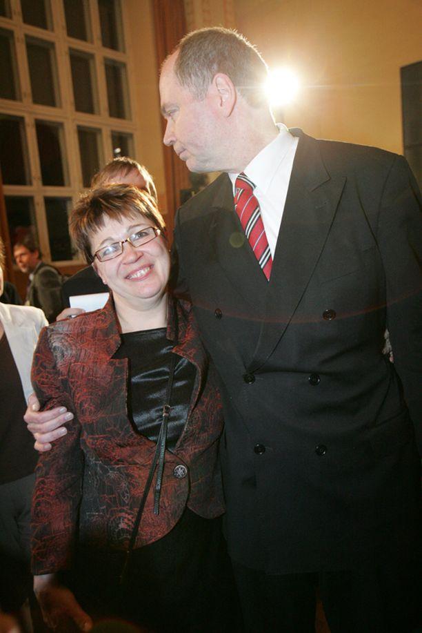 Pari SDP:n vaalivalvojaisissa Helsingissä vuonna 2007.