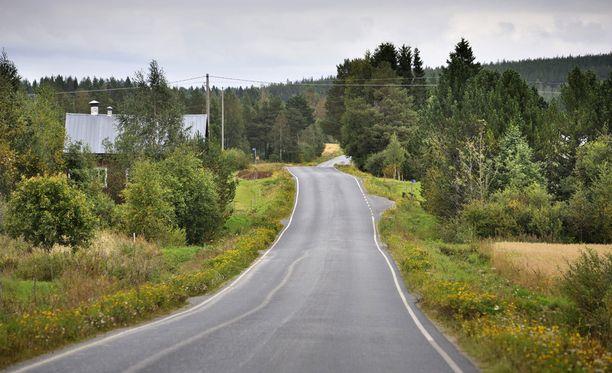 HS:n gallupin mukaan 65 prosenttia suomalaisista säilyttäisi maakunnatkin elinvoimaisina, vaikka siitä syntyisi kustannuksia veronmaksajille. Vain 28 prosenttia vastustaa ajatusta.