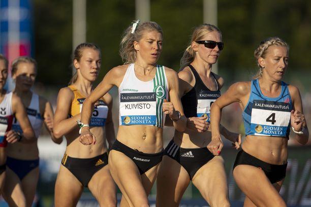Sara Kuivistolla oli malttamaton olo 1 500 metrin SM-kisan aikana, kun hän joutui juoksemaan käsijarru päällä-