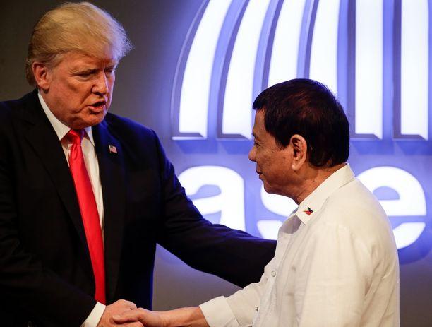 Trump kutsui suhdettaan Duterteen mahtavaksi.