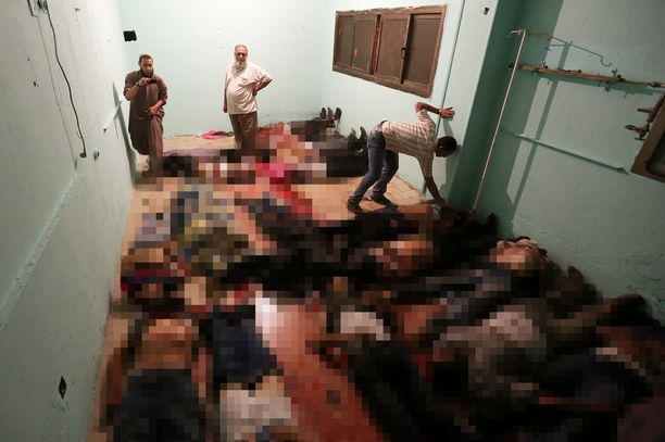 Muslimiveljeskunnan jäsenet veivät ammuskelussa kuolleet sairaalan ruumishuoneelle.