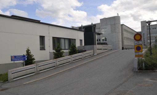 Kansanedustaja haluaa ministerin selvittävän koskevatko ongelmat ainoastaan Mikkelin keskussairaalaa, vai onko kyseessä valtakunnallinen ilmiö.