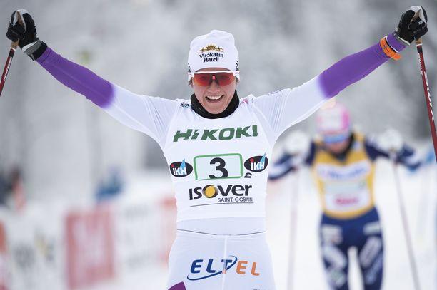 Katri Lylynperä tuuletti Suomen mestaruutta.