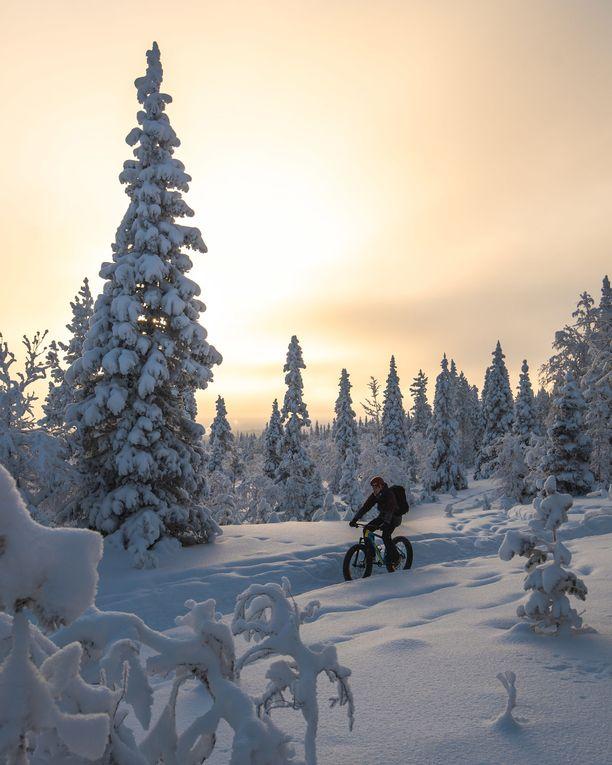 Paksurenkaisella fat bike -pyörällä pääsee maastoon talvellakin.