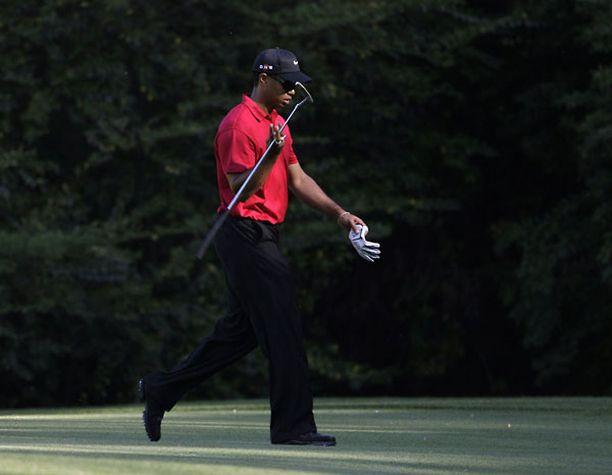 Tiger Woods jäi voittajalle viisi lyöntiä.