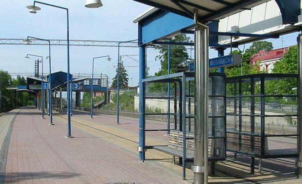 Tapanilan juna-asemalla tapahtui viime syksynä kaksi laajasti huomiota herättänyttä raiskausta.