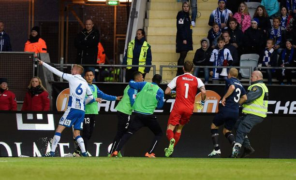 Ottelutapahtumat lähtivät käsissä Göteborgissa.