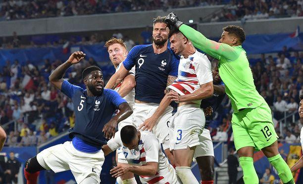 Ranska-USA-ottelussa nähtiin hurja tilanne.