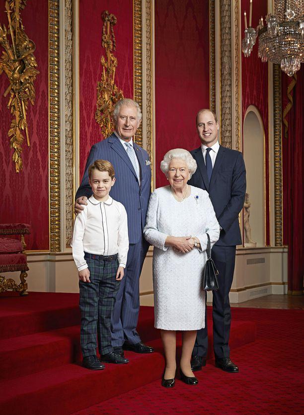 Nähdäänkö heidät kaikki vuorollaan vallan kahvassa vai hyppääkö kruunu jossain vaiheessa yhden polven yli?