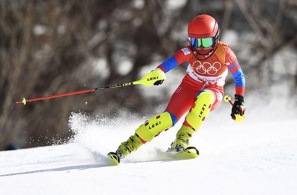 Kim Ryon-hyang oli radalla naisten pujottelussa ja suurpujottelussa Pyeongchangissa. Menestystä ei tullut.