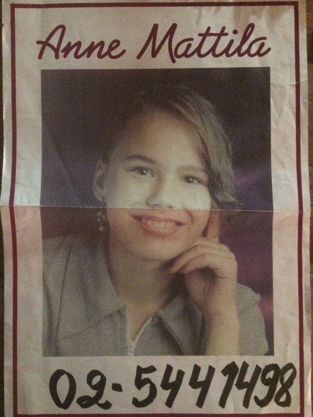 Anne oli rohkea lapsi ja levitti 11-vuotiaana viidesluokkalaisena keikkajulisteitaan ympäriinsä.