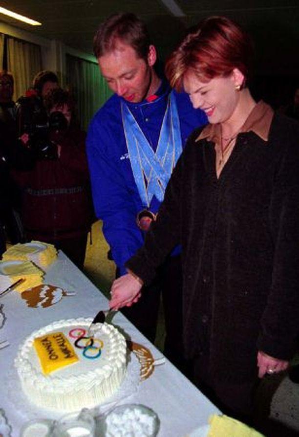 Mika ja Suvi Myllylän avioerohakemus mitätöityy automaattisesti puolen vuoden kuluttua, mikäli kumpikaan ei hae lopullista avioeroa.