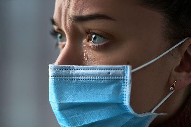 Koronavirusta kannattaa yrittää välttää. Yksi keino tässä onnistumisessa voi olla maski.