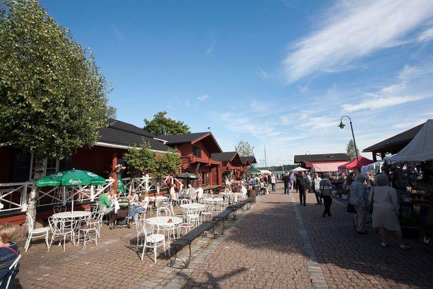 Laivasillan alueelta löytyy ravintoloita, nähtävää ja tapahtumia.